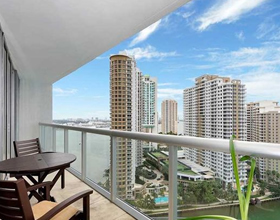 Luxury Apartment in Icon Brickell building on Brickell Ave. - Bayfront - Downtown Miami - $750,000