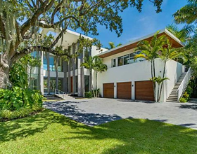 Luxury Waterfront Mansion on Sunset Island - Miami Beach - $22,888,888