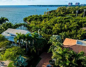 House in Bisc Camp Coconut Grove- $7,750,000
