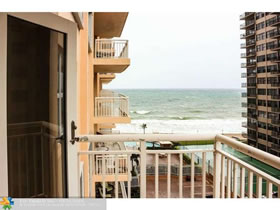 Beachfront Condo For Sale in Fort Lauderdale, Florida - $497,500