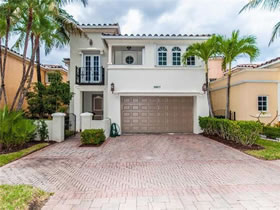 House Adventure with Private Pool - $1,299,000