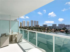 Apt. Furnished 3 bedrooms in Sunny Isles Beach - $1,149,000