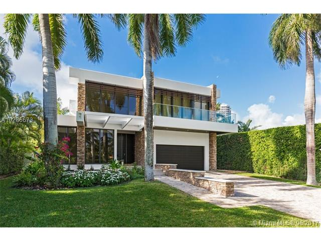 Waterfront Luxury Mansion For Sale In Golden Beach - $6,800,000