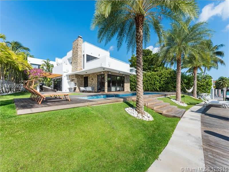 Waterfront Luxury Home For Sale In Miami Beach - $6,250,000