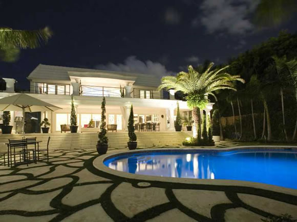 Modern Minimalist Waterfront Estate for sale on North Bay Road - Miami Beach   $10,000,000